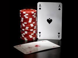 Carta con fichas de poker