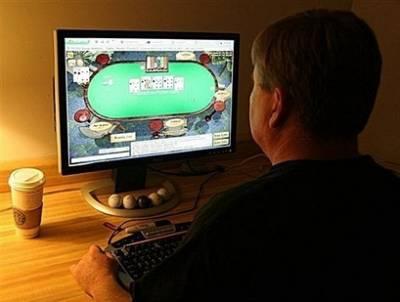 Hombre Jugando Poker